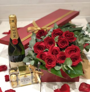 12 Roses in a Box + Moet